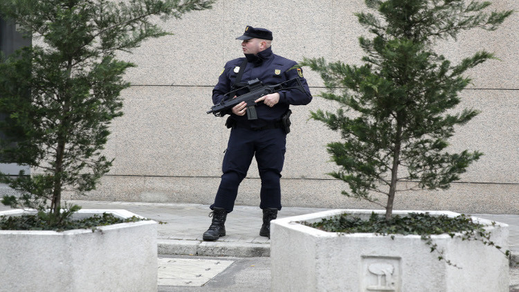 السلطات الإسبانبة تكشف عن وكر يُرجح أنه لـ