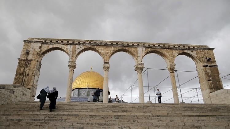 الشرطة الإسرائيلية تعتقل خطيب المسجد الأقصى
