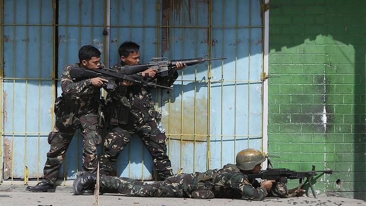 اشتباكات في الفلبين تسفر عن مقتل 18 جنديا و5 مسلحين من جماعة