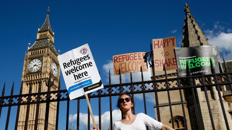 للاجئين في بريطانيا.. احذروا التنصت