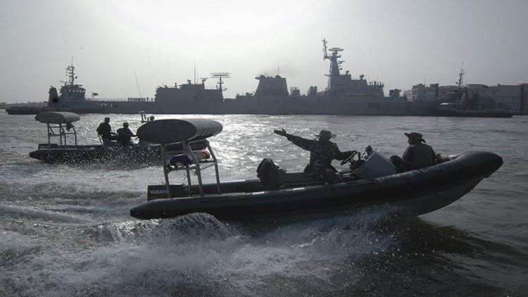 قراصنة يخطفون 6 من أفراد طاقم سفينة تركية محملة بمواد كيميائية