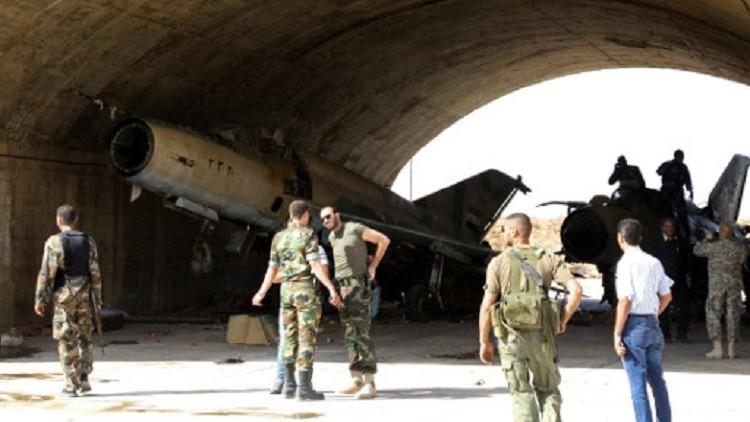 أنباء عن سقوط طائرة حربية سورية في مطار الضمير العسكري