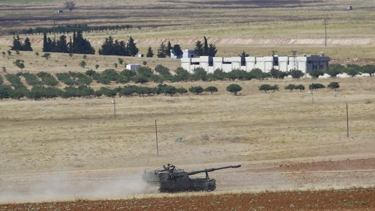 سقوط قذائف على بلدة تركية من الحدود السورية وتركيا ترد