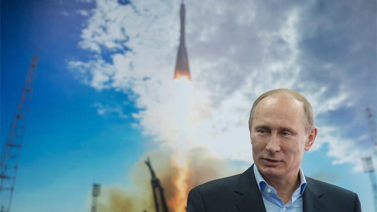 بوتين يهنئ رواد الفضاء الروس بعيدهم (فيديو)