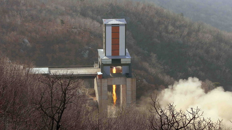 دلائل على استعدادات في كوريا الشمالية لإطلاق صاروخ باليستي نحو السواحل الأمريكية