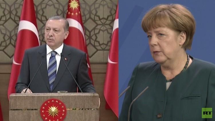 ميركل: حرية التعبير في ألمانيا غير مرتبطة بمطالب تركيا
