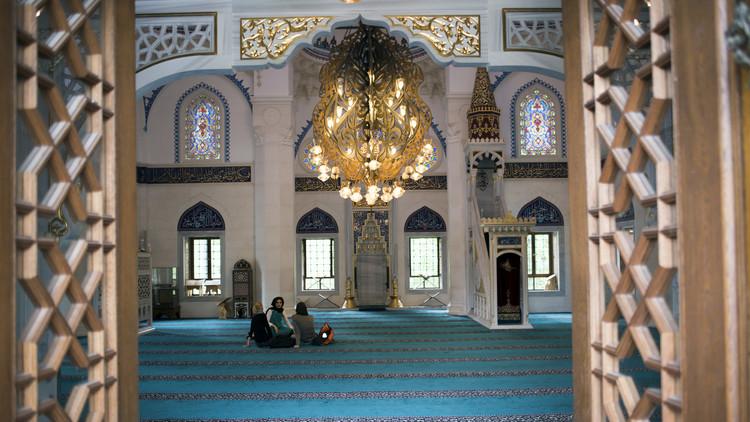 دعوات لقطع التمويل الخارجي عن المساجد في ألمانيا