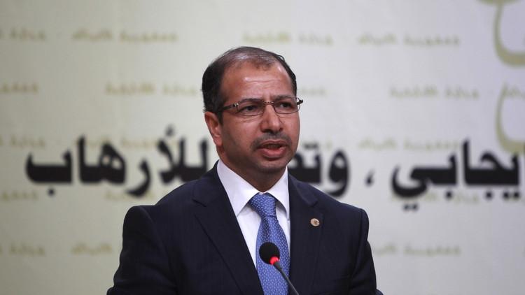 اشتباكات وتراشق بالقوارير داخل البرلمان العراقي (فيديو)