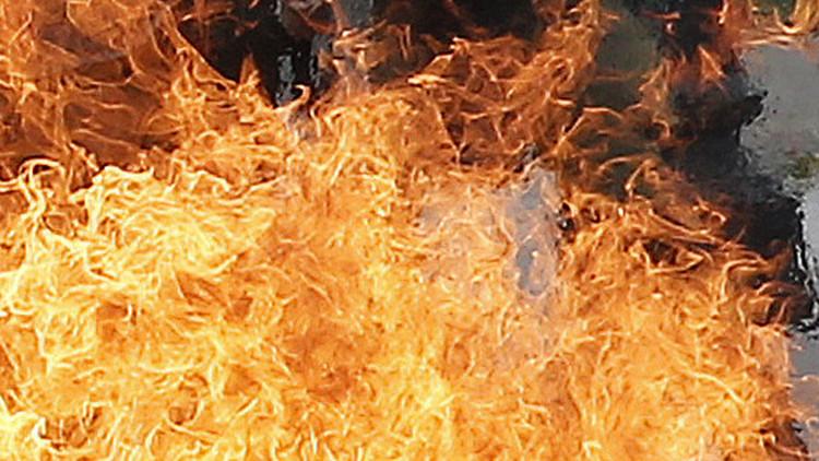 طالب باكستاني ينتحر حرقا لتأخره عن الإمتحان