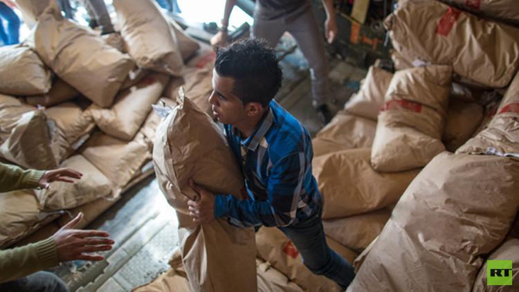 وصول مساعدات إنسانية روسية لأكثر من 600 عائلة في درعا (فيديو)