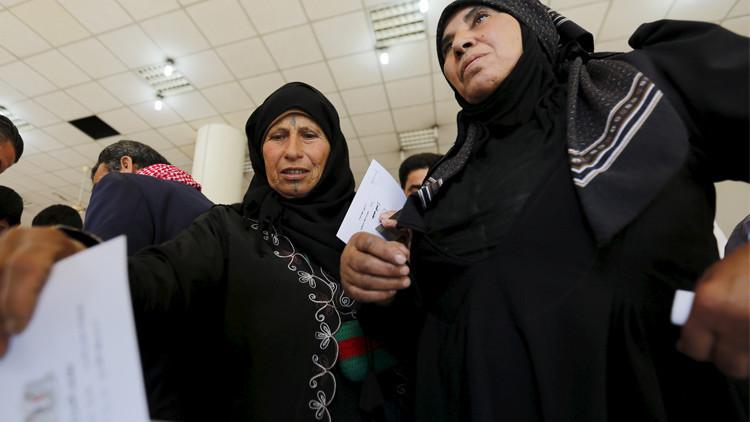 على الأسد أن يختار بين حلب والرقة
