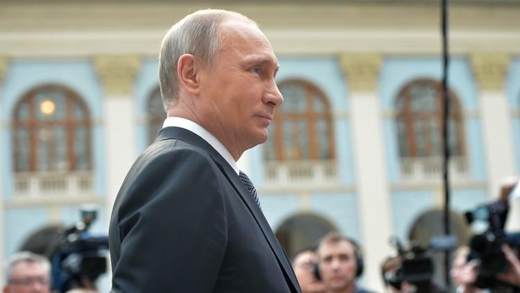 بوتين يكشف إلى أين ذهبت الأموال الروسية المذكورة في