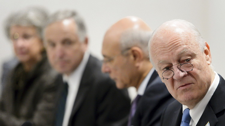 وفد الحكومة يحمل إلى جنيف رد دمشق على وثيقة دي ميستورا ويرفض مناقشة مصير الأسد