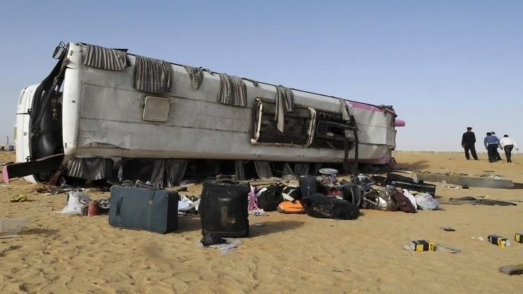 مقتل 12 على الأقل في حادث تصادم في مصر