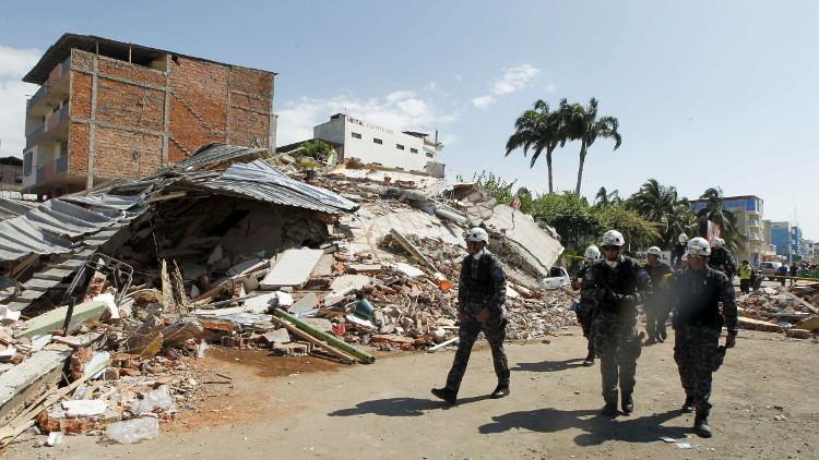 رئيس الإكوادور: عدد ضحايا الزلزال بلغ 272 قتيلا