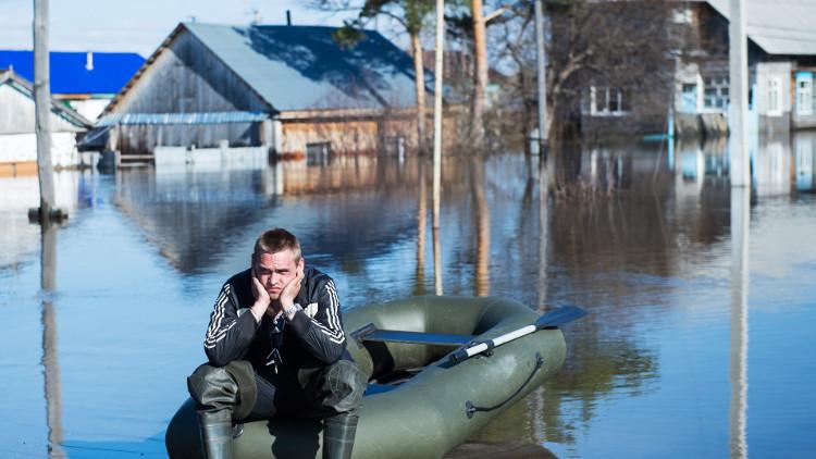 الطوارئ الروسية تزيل آثار الفيضانات في 107 بلدات