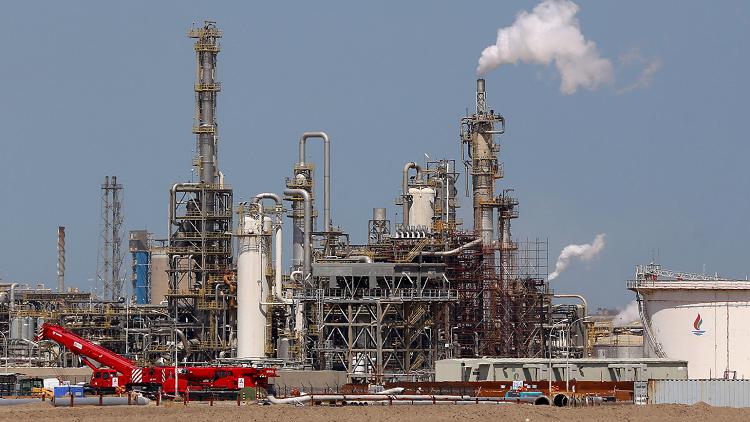 اتحاد عمال النفط والغاز الكويتي ينهي إضرابه