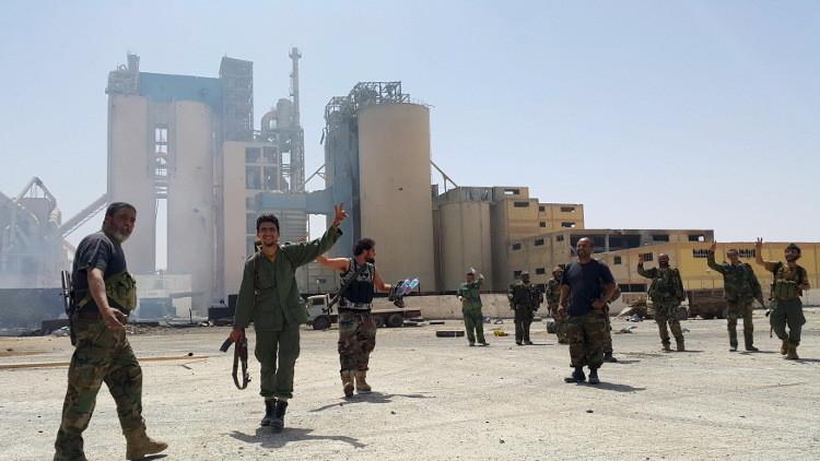 تنظيم داعش يتقهقر في مدينة درنة شرقي ليبيا