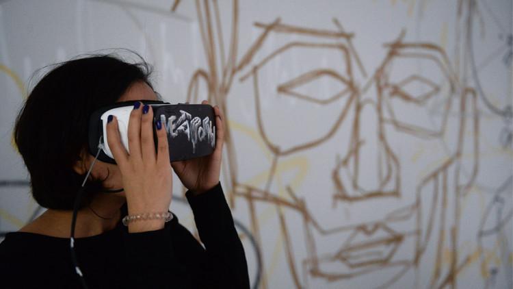 أول معرض بموسكو للغوص في الواقع الافتراضي فنيا