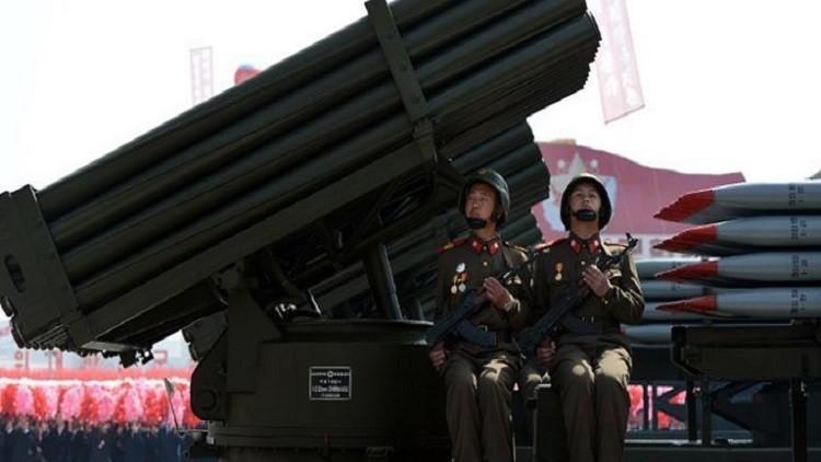 بيونغ يانغ تشهر 300 قاذفة صواريخ في وجه سيئول
