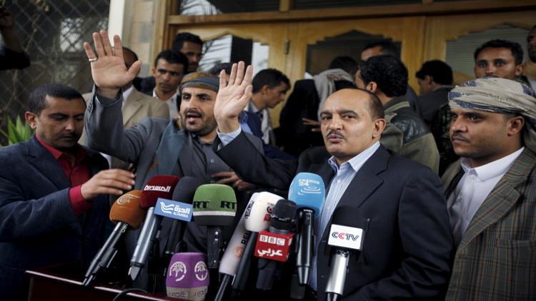 أمير الكويت يتدخل لإنقاذ المفاوضات اليمنية