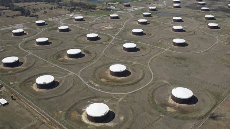 هبوط أسعار النفط يستنزف الشركات الأمريكية