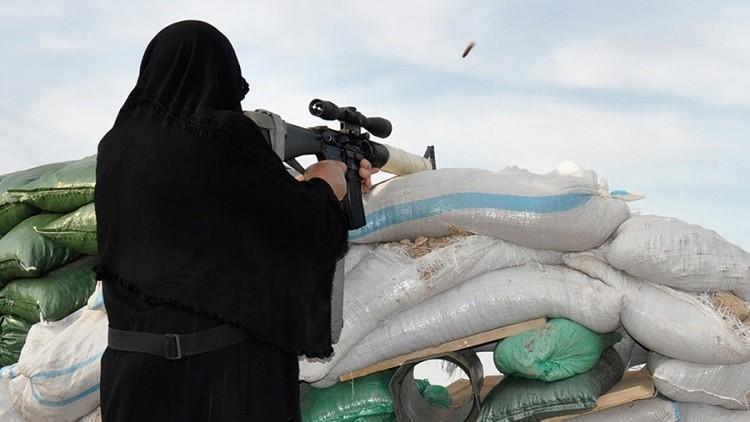 النساء في الخطوط الأمامية لداعش!