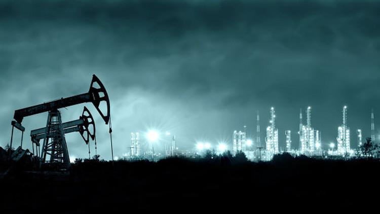 النفط عند أعلى مستوى في 2016
