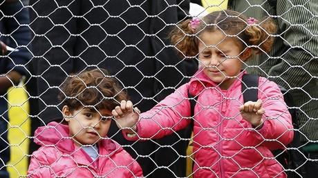 طفلان لاجئان في النمسا - صورة أرشيفية