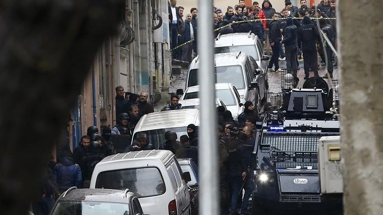 إصابة 10 رجال أمن بتفجير قنبلة جنوب شرق تركيا