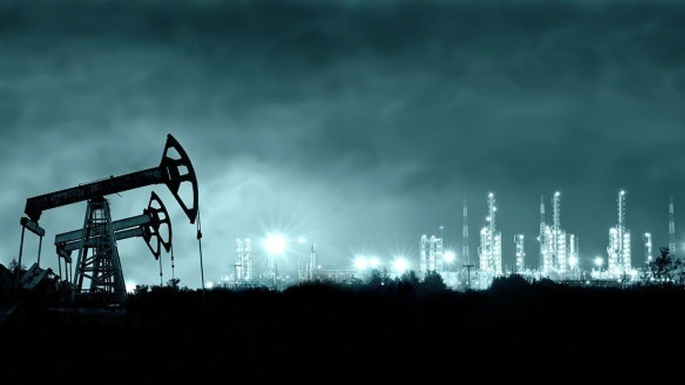حريق في كندا يدفع أسعار النفط للصعود