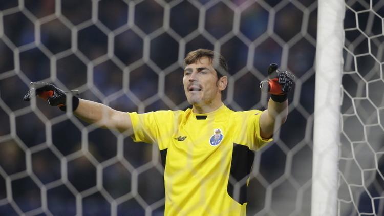كاسياس: رحلت عن مدريد حتى لا يتحول إلى سيرك
