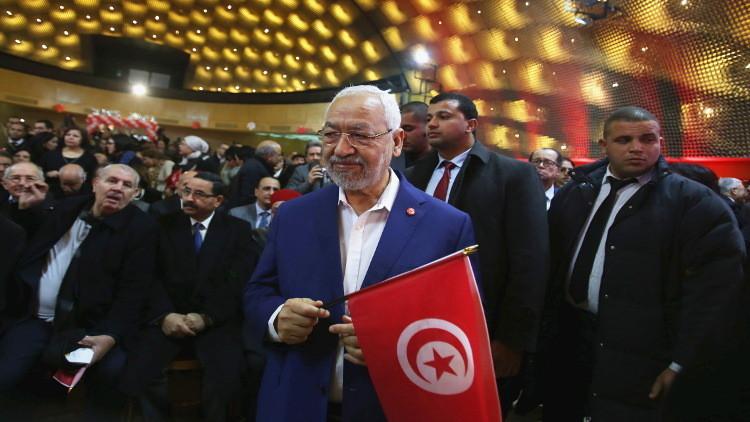 النهضة التونسية تترك الدعوة وتتفرغ للسياسة