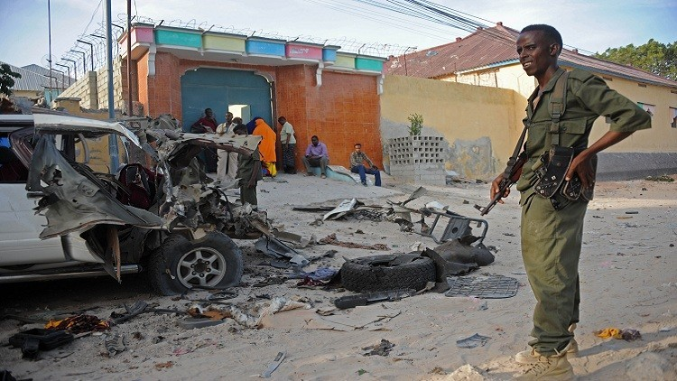مقتل 3 أشخاص بتفجير انتحاري في مقديشو