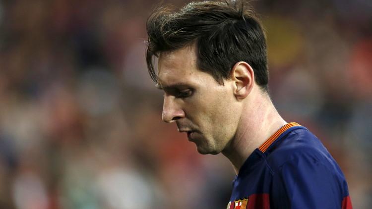 ميسي يأسف لخروج برشلونة من دوري الأبطال