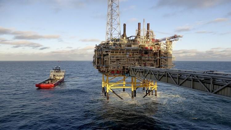 ارتفاع أسعار النفط متأثرة بانخفاض الإنتاج