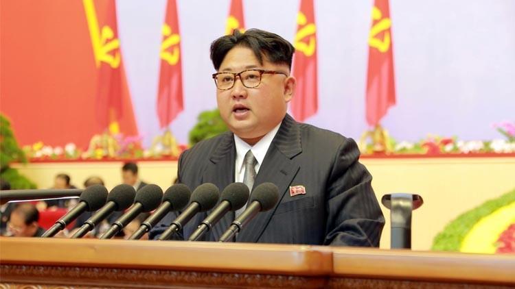 كيم جونغ أون يهدد بتوحيد الكوريتين بالقوة