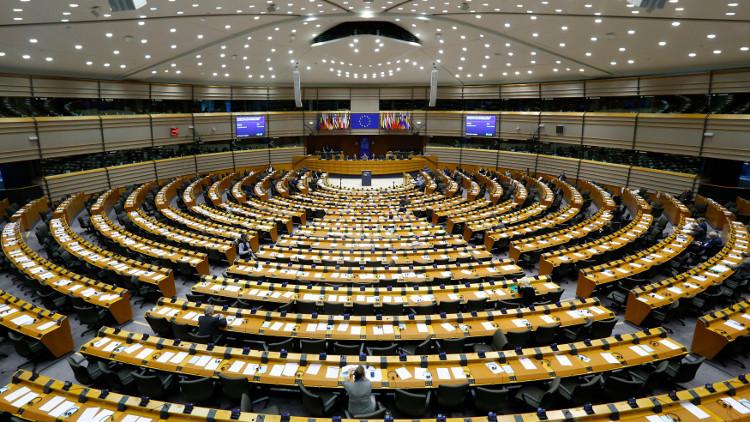 دعوة لفرض عقوبات بعد حظر مجلس تتار القرم بروسيا