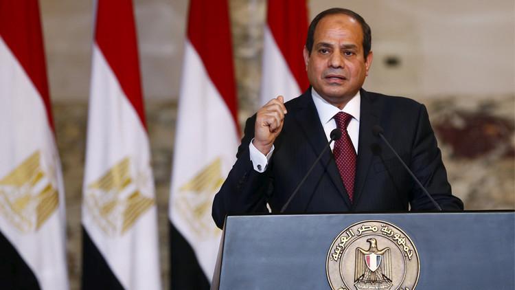 الرئيس المصري يفتتح 32 مشروعا جديدا