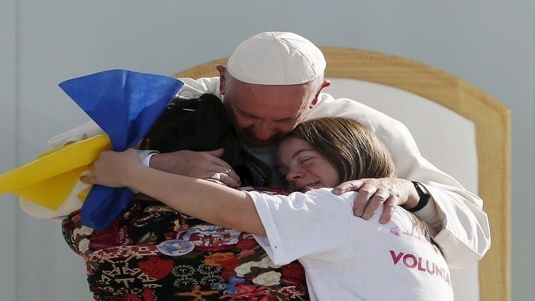 البابا يسعى لمنح المرأة دورا أكبر بالكنيسة