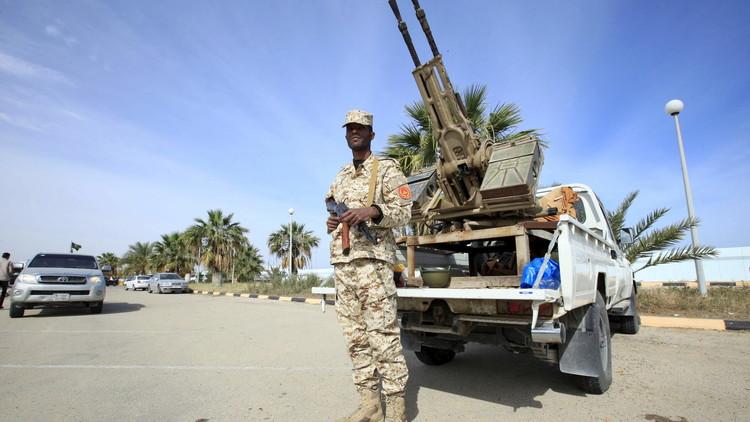 واشنطن مستعدة لتخفيف حظرالأسلحة إلى ليبيا