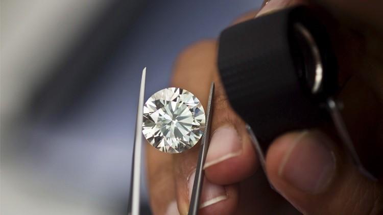 روسيا ستقتني الماس بقيمة 5 مليارات روبل في 2016