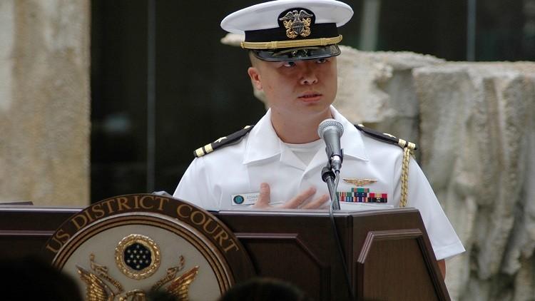 محاكمة ضابط بالبحرية الأمريكية بتهمة التجسس