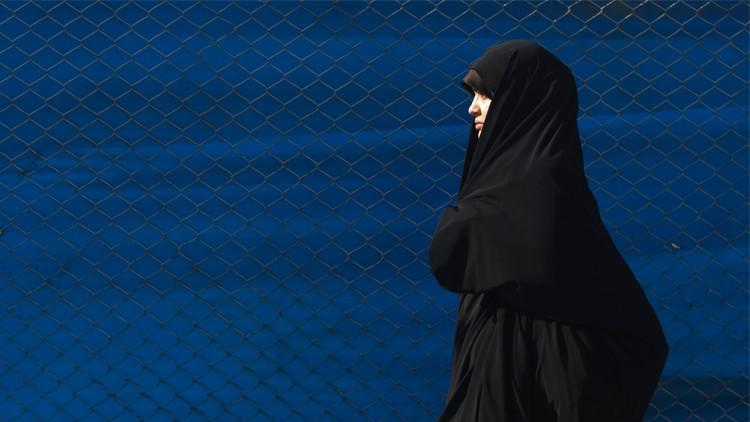 اعتقال 8 أشخاص من عالم الأزياء في إيران