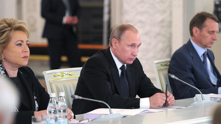 بوتين يدعو إلى خفض فائدة القروض العقارية