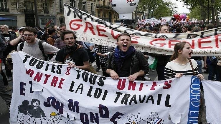 هولاند: لاتراجع عن إصلاح قانون العمل