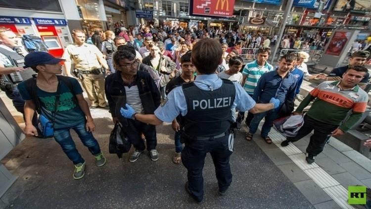 عصابات تهريب اللاجئين ودخلها السنوي؟
