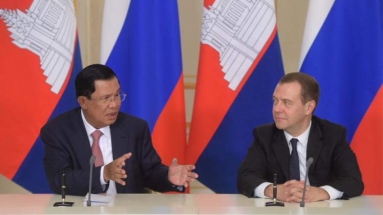 روسيا وكمبوديا توقعان اتفاقات في مجالات عدة