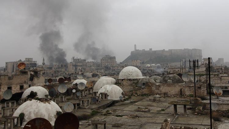 مسلحون يقصفون حيا في حلب بالكيماوي