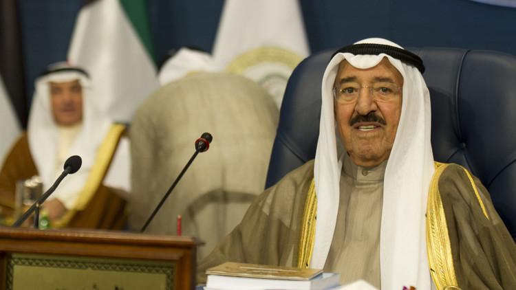 أمير الكويت يحث الأطراف اليمنية على مواصلة الحوار